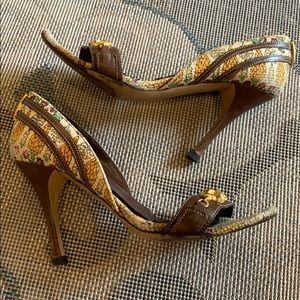 Gucci   Pineapple Pigna Canvas Heels Pumps 😍👠⚡️